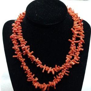 Gorgeous Authentic vintage coral necklace